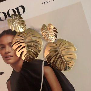 SUGAR FIX X BAUBLE BAR Gold Palm Leaf Earring